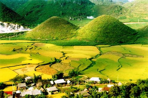 Ha Giang_Nui doi Co Tien