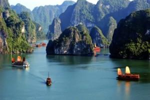 halong-bay-vietnam